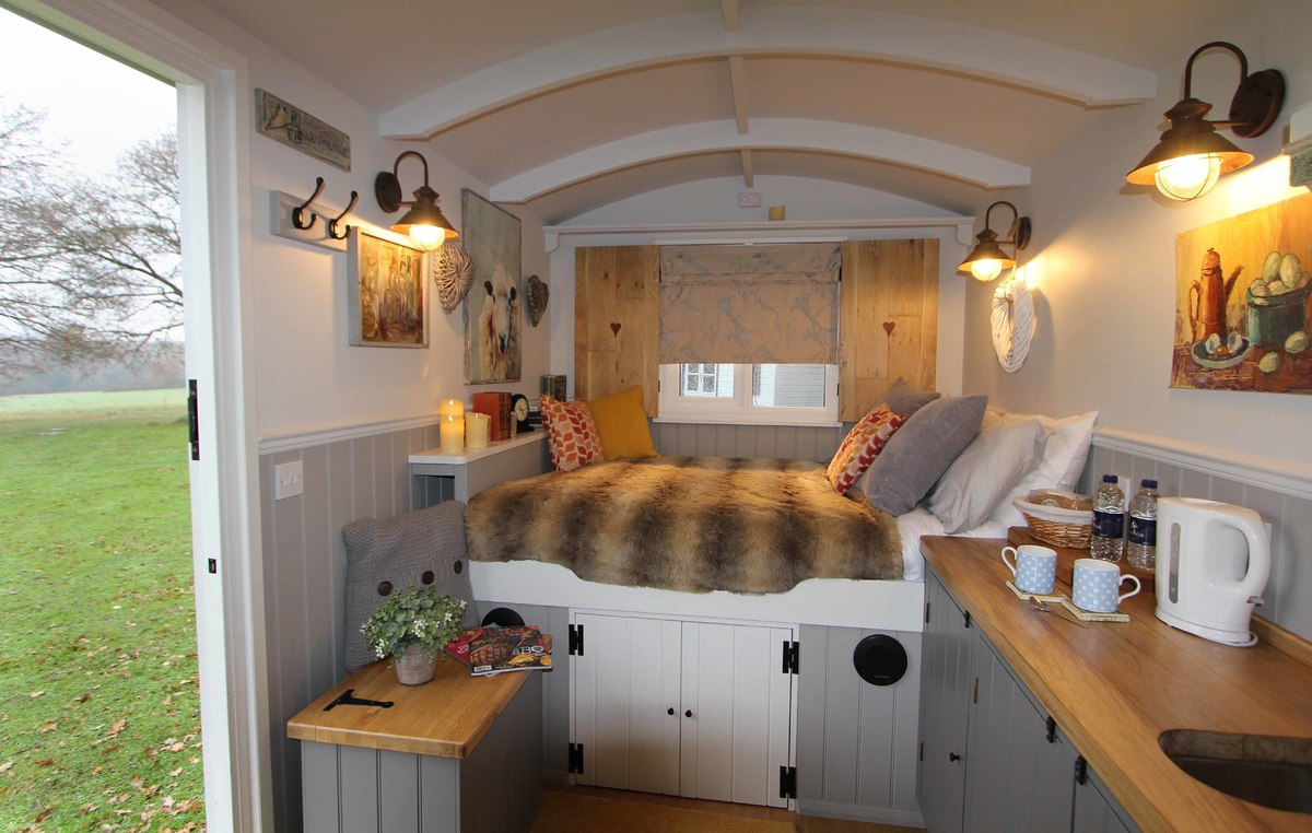 Clippesby Hall shepherds huts